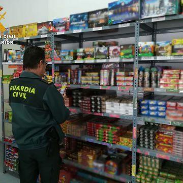 La Guardia Civil refuerza en estas fechas sus servicios de control en la venta y el uso de artificios pirotécnicos