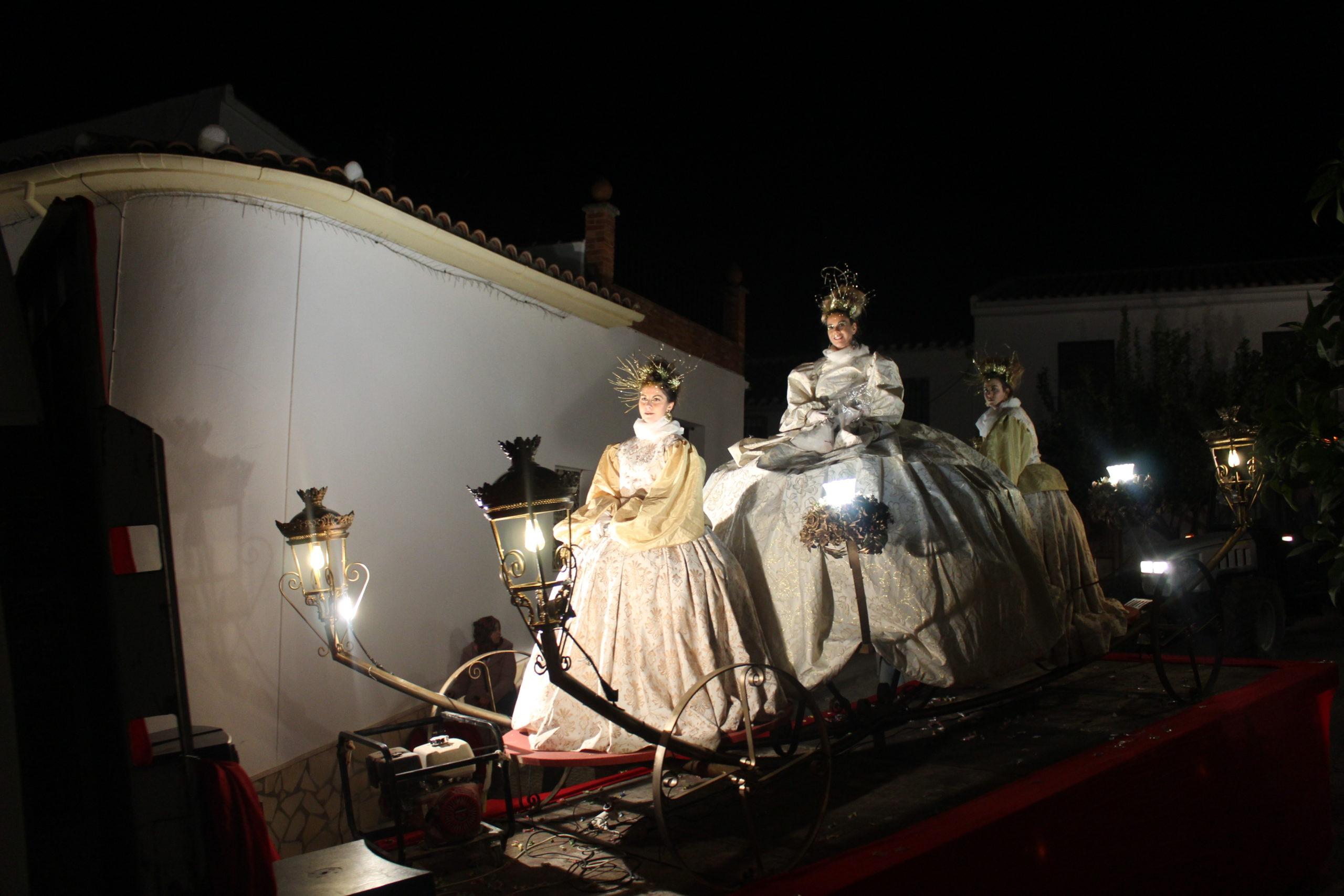 Los niños y niñas de Almedinilla viven con ilusión la Cabalgata de Reyes