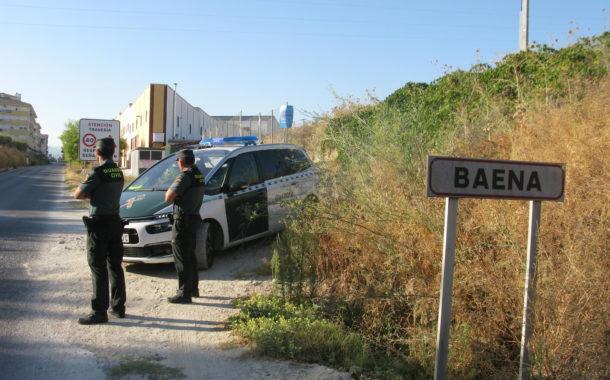 La Guardia Civil detiene en Baena, como supuesto autor de varios delitos, a una persona que se saltó las medidas de restricción de movilidad