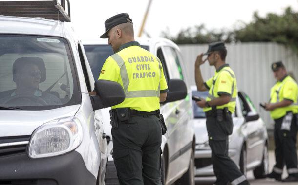 La Guardia Civil corta la Autovía de Málaga y solo permite el paso de vehículos autorizados