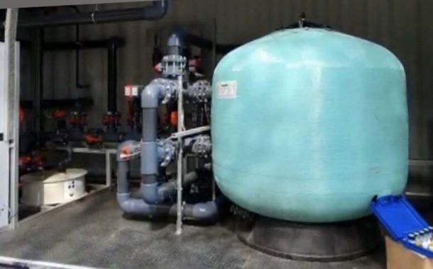 Un empresario cordobés ofrece una máquina para producir líquido desinfectante de manera masiva