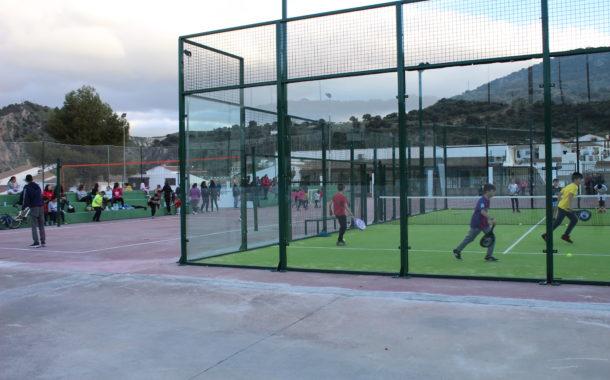 Inauguración de las pistas deportivas con jornada multideportiva, presentación de la aplicación para reserva de pistas y partido exhibición de pádel
