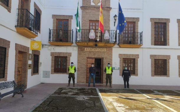 El Ejército controla los accesos y la movilidad poblacional en Almedinilla