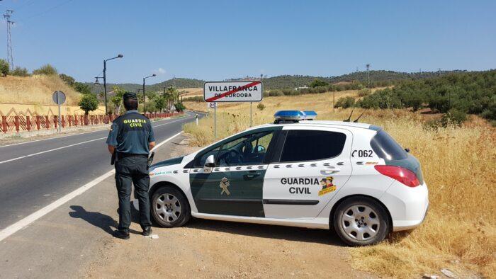 La Guardia Civil detiene en Villafranca a un vecino, por insultar y realizar acusaciones falsas contra las Fuerzas y Cuerpos de Seguridad en una red social