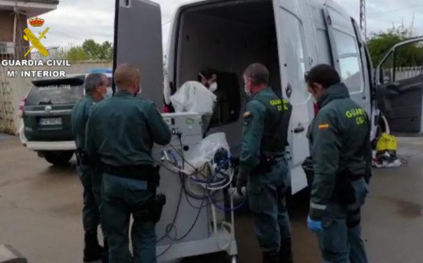 La Guardia Civil colabora en el traslado de 5 respiradores desde Córdoba hasta el hospital de Antequera