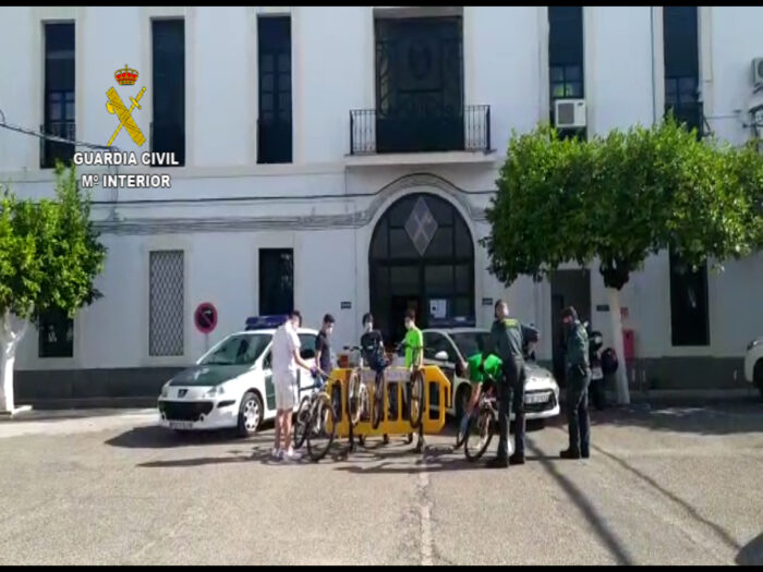 La Guardia Civil rescata a cinco jóvenes que se habían perdido en la sierra de Córdoba
