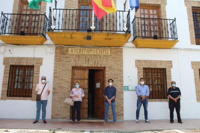 Minuto de silencio y luto oficial por las víctimas del Covid-19 en el Ayuntamiento de Almedinilla