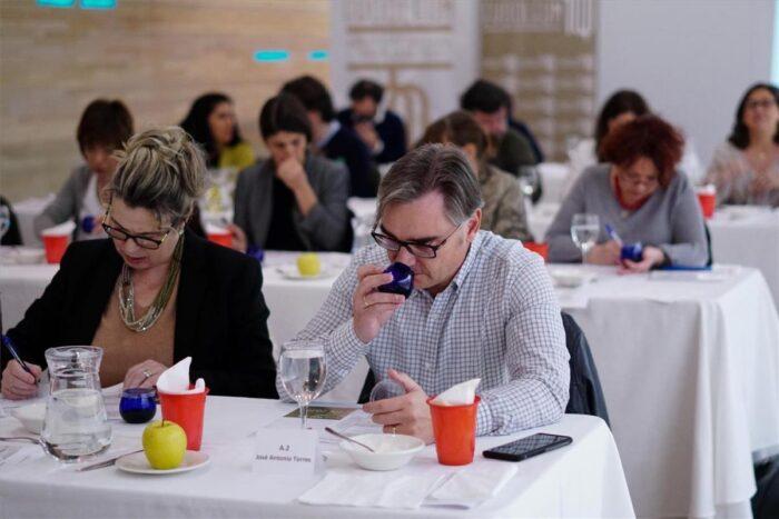 AEMO ubicará en Córdoba la primera escuela de catadores de aceite de Andalucía