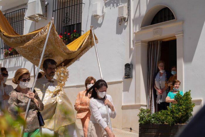 Una procesión del Corpus atípica en Almedinilla