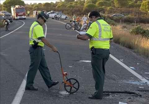 Un joven herido grave en un accidente en Almedinilla