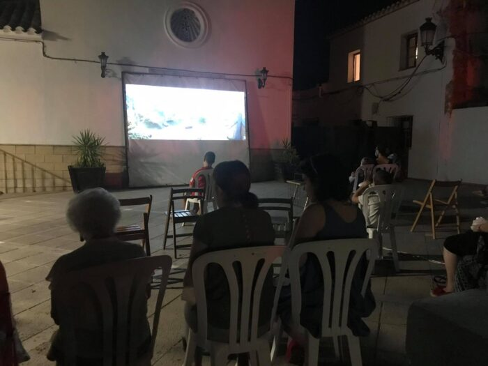 Cine de Verano Al Fresco en Sileras
