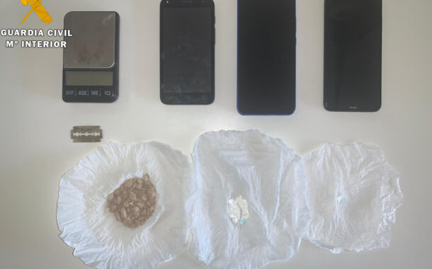 La Guardia Civil detiene en Puente Genil a una persona como supuesta autora de un delito de tráfico de drogas.