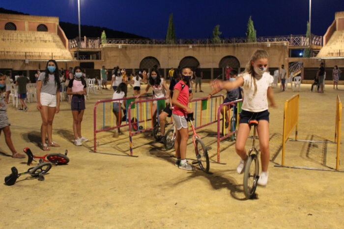 Taller y espectáculo de circo en el Coliseo