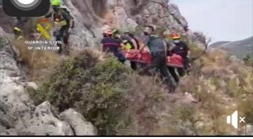 Rescate de un senderista herido en la Sierra de la Gallinera de Carcabuey