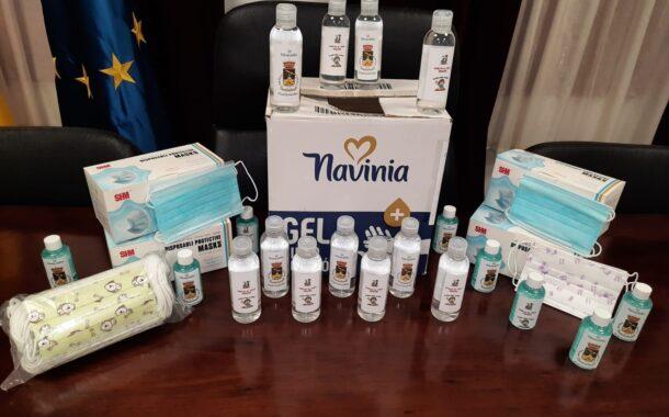 El Ayuntamiento de Fuente-Tójar reparte mascarillas y gel hidroalcohólico a los niños y niñas de Educación Primaria y Secundaria