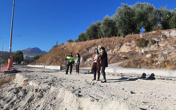 La Junta invertirá 38.000 euros en la mejora del acceso al polígono de la Vega de Priego