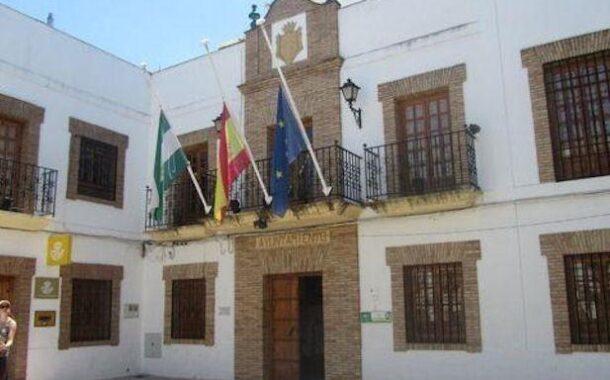 El Ayuntamiento comunica a los bares y restaurantes la normativa de apertura de 6 a 8 publicada en el BOJA