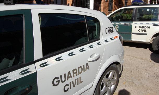 La Guardia Civil con la colaboración de la Policía Local investiga en Cabra a dos personas como supuestas autoras de un delito de maltrato animal