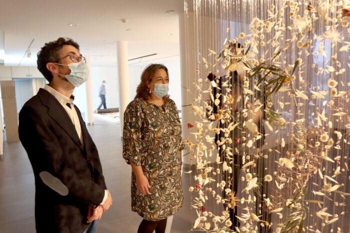 El Centro de Arte Rafael Botí acoge la exposición colectiva 'En busca del tiempo perdido', un viaje por el tiempo y la memoria a partir de 19 creaciones de arte contemporáneo