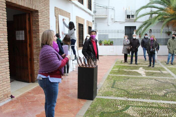 El Ayuntamiento de Almedinilla premiará con 450 euros a la campaña publicitaria más idónea para promocionar la igualdad de oportunidades entre mujeres y hombres