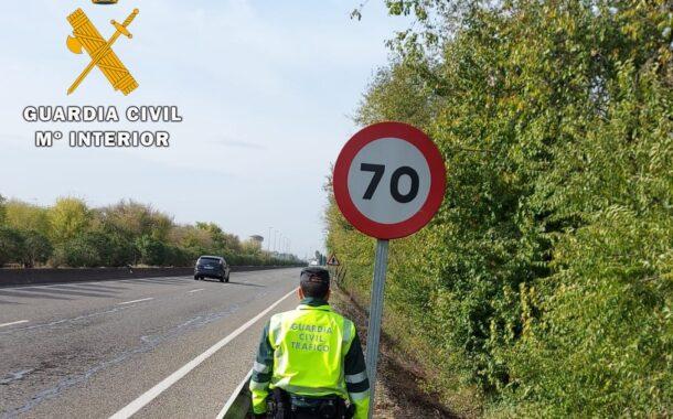 La Guardia Civil investiga a un conductor que circulaba a 175 km/h en la carretera de Palma del Río, en un tramo con la velocidad limitada a 70 km/h.