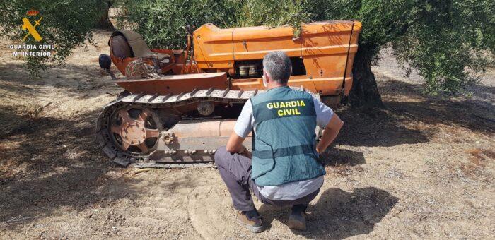 La Guardia Civil detiene a un vecino de Cañete de las Torres como supuesto autor de un hurto de un tractor