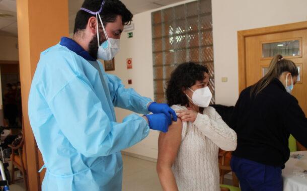 La vacuna Pfizer llega a Almedinilla