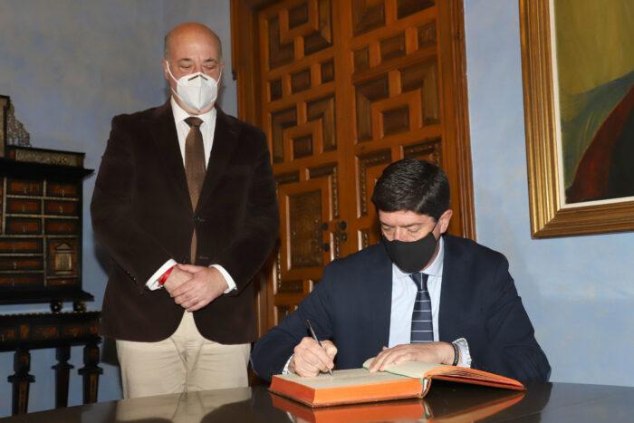 """El presidente de la Diputación solicita a Marín """"más coordinación y recursos económicos para los ayuntamientos de la provincia"""""""