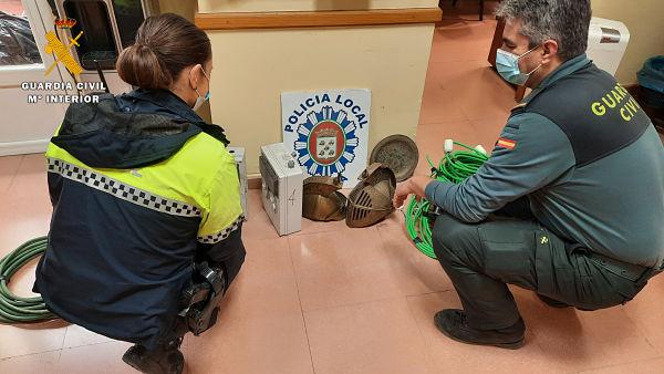 La Guardia Civil y la Policía Local detienen en Baena a los supuestos autores de un robo en la sede de la Agrupación de Cofradías