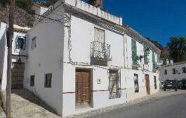 Sale a subasta la finca urbana de la calle Molinos, Nº 36, de Almedinilla