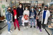 Fuente-Tójar rinde homenaje a la farmacéutica de la localidad por su jubilación