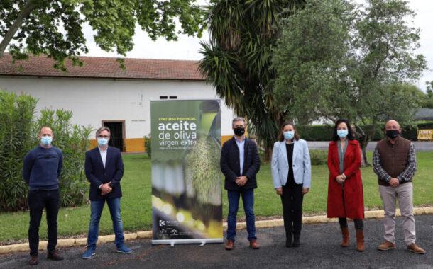 La empresa almedinillense Manuel Molina Muñoz e Hijos, ganadora del XIV Concurso Provincial de Aceite de Oliva Virgen Extra en la categoría frutado y maduro