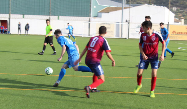 El Almedinilla Atlético consigue los tres puntos en Benamejí