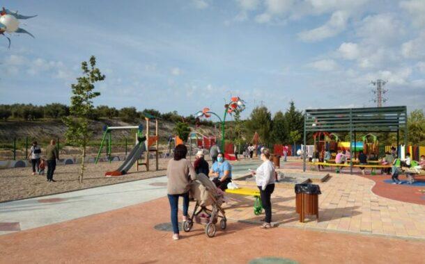 El Jardín de Juno, nueva zona de ocio infantil de Almedinilla abre sus puertas