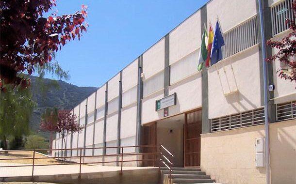 La Junta declara el cierre de la actividad docente presencial en dos centros educativos de Doña Mencía
