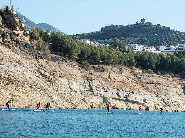 El pantano de Iznájar se convierte en el epicentro del Paddle Surf nacional