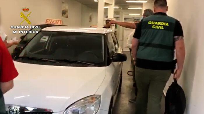La Guardia Civil desarticula una organización criminal dedicada a la adquisición fraudulenta de vehículos y su posterior venta a terceros en Europa