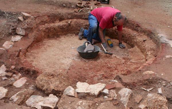 Hallan varios hornos cerámicos de época medieval andalusí en un solar de Priego de Córdoba