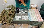 La Guardia Civil desmantela un punto muy activo de venta de drogas en Baena y detiene a cuatro personas