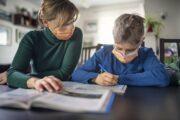 Homenaje a la comunidad educativa