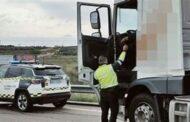La Guardia Civil detiene al conductor de un camión que conducía con una tasa de alcohol siete veces mayor a la permitida