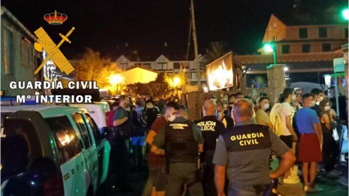 """La Guardia Civil disuelve un """"botellón"""" en Benamejí y formula 35 denuncias por infracción a la normativa vigente"""