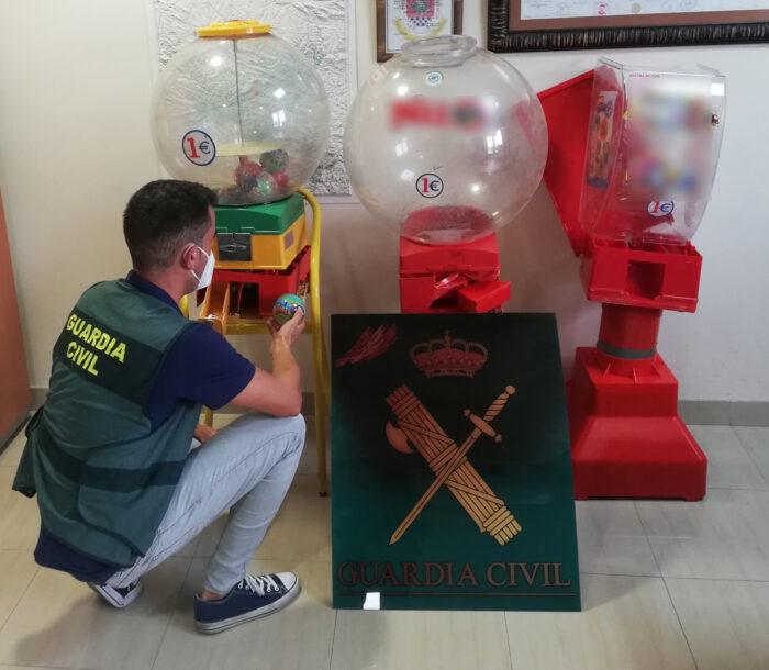 La Guardia Civil detiene dos personas, como presuntas autoras de varios delitos contra la propiedad, en Baena