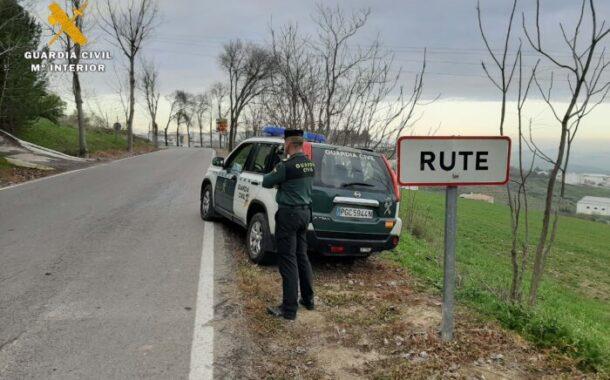 La Guardia Civil detiene en Rute al presunto autor de un robo con violencia e intimidación en un supermercado de la localidad