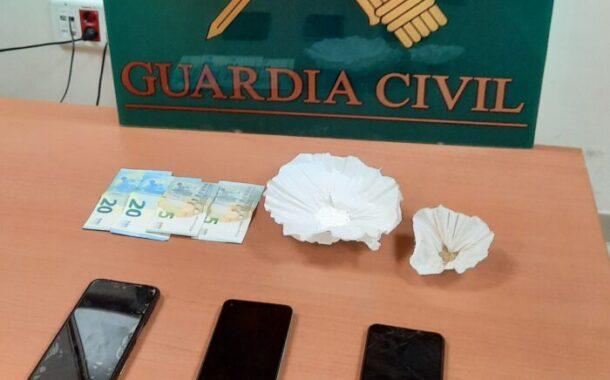 La Guardia Civil detiene a tres personas en Baena como supuestos autores de un delito de tráfico de drogas