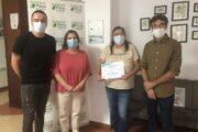 El Ayuntamiento de Almedinilla entrega la recaudación del concierto de Zaguán a la Asociación Albasur de Priego
